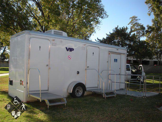 Kentucky vip restrooms for Rent a portable bathroom